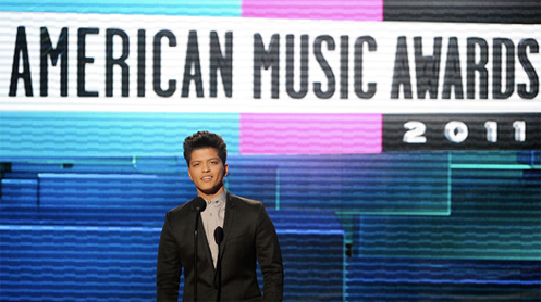 Bruno Mars Wins Favorite Pop/Rock Male Award at 2011 AMA's